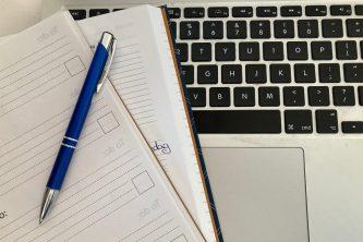 gratis vriendendienst notitieboek en agenda op laptop